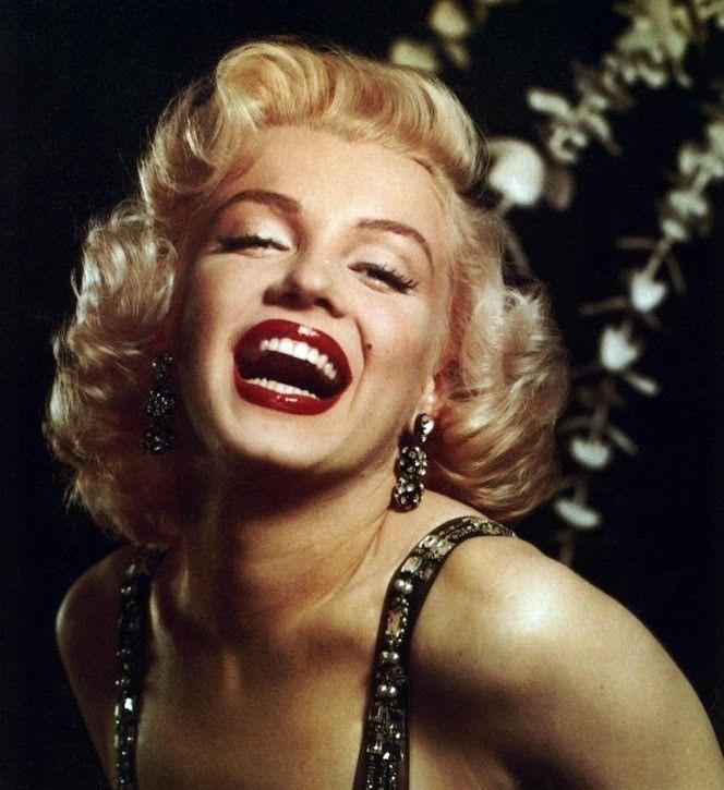 1952—Short Curls